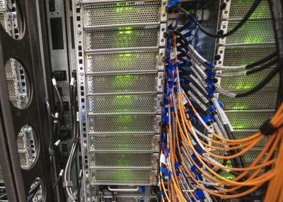 Den siste tids cyberangrep mot norske private og offentlige virksomheter understreker viktigheten av å holde IT-systemene oppdatert, skriver Geir Rostadmo-Strømme.