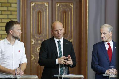 Sp-leder Trygve Slagsvold Vedum vil basere en ny regjering på samarbeid med Ap-leder Jonas Gahr Støre, Støre vil ha med SV-leder Audun Lysbakken, mens Lysbakken åpner døren for alle partier på rødgrønn side.