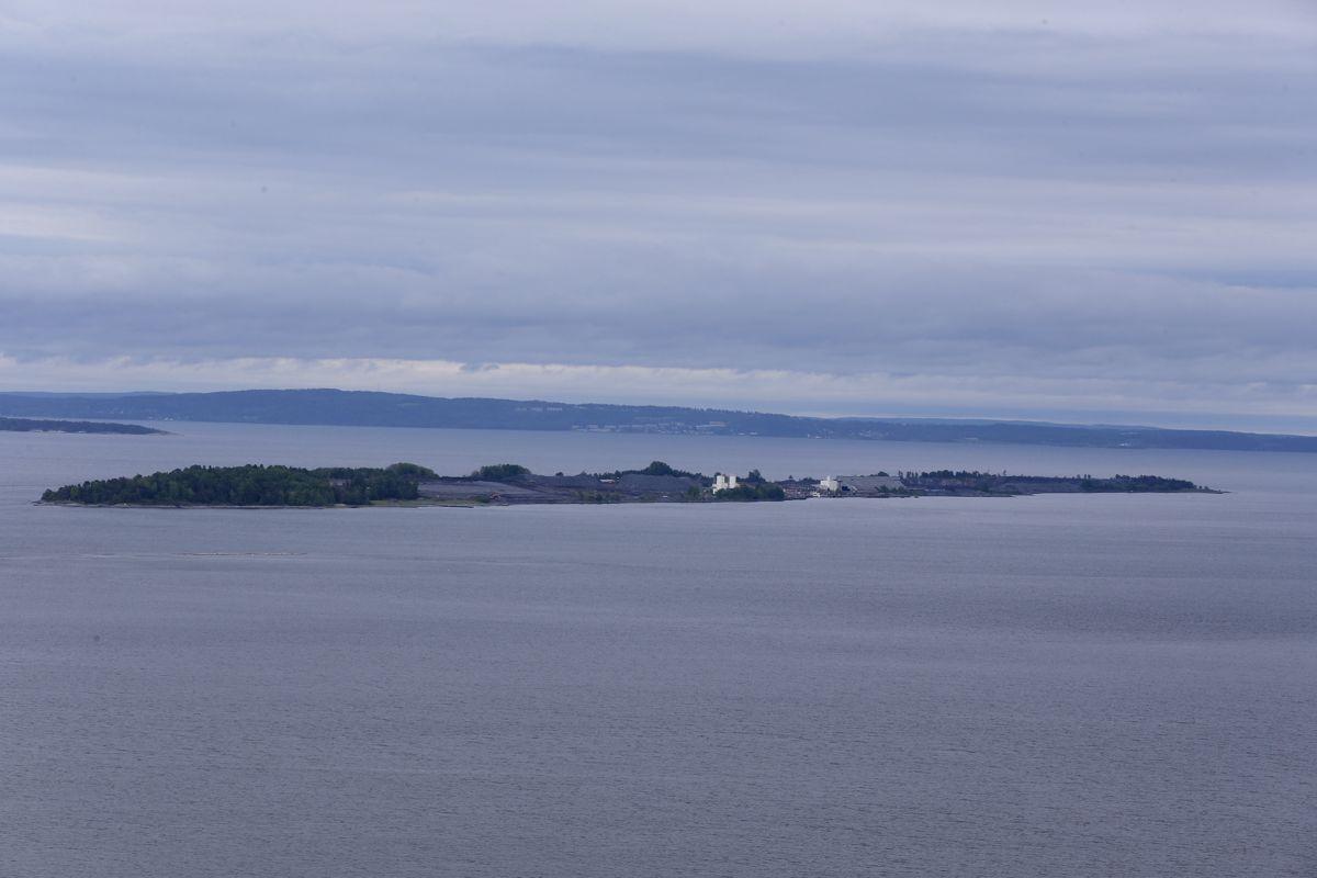 Miljødirektoratet sier det blir sluppet ut altfor mye nitrogen i Oslofjorden, her fra Langøya i Ytre Oslofjord.