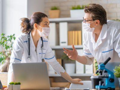 Et nytt kontaktinfo-register skal gjøre det enklere for kommuneleger å komme i kontakt med hverandre - både under en pandemi og i andre tilfeller.