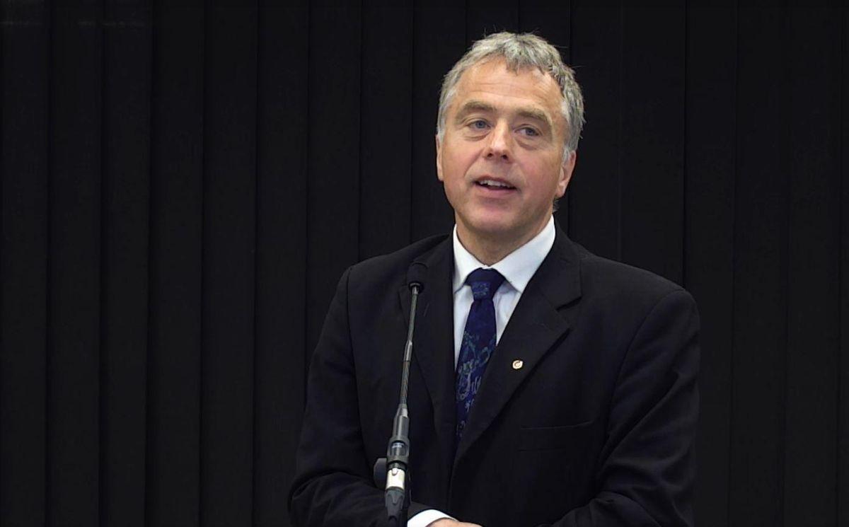 – Det er fremdeles stor frustrasjon blant kommunene når det gjelder informasjon om nye tiltak, sier direktør Helge Eide i KS.