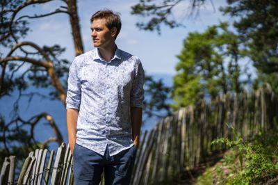 Jørgen Watne Frydnes er daglig leder for Utøya. Han er oppgitt over at minnestedet på Utøyakaia ikke blir ferdig til markeringen i år, ti år etter terrorangrepet der 69 mennesker ble drept på øya den 22. juli 2011.