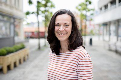 Tilkoblingen til eInnsyn skal gjøre det lettere for politikere og andre å finne fram i dokumenter og politiske sakspapirer. Det håper Camilla Havik Cole, kommunikasjonsrådgiver i Arendal kommune.