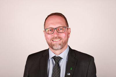 Høyres gruppeleder Dag Olav Tennfjord i Ålesund blir ny kommunedirektør i nabokommunen Giske.