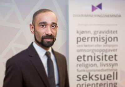 Direktør Ashan Nishantha i Diskrimineringsnemnda håper folk vil benytte seg av tilbudet.