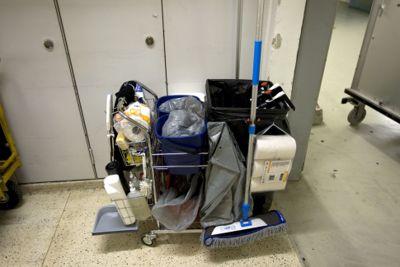 Pris viser seg å være viktigst når både offentlig sektor og privat sektor skal kjøpe inn renholdstjenester. Det viser en ny Fafo-undersøkelser
