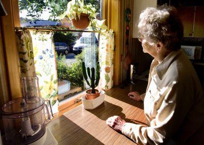Det generelle inntrykket er at eldre med psykiske lidelser i svært liten grad er definert og innlemmet i det kommunale psykiske helsearbeidet, skriver Kenneth Ledang.