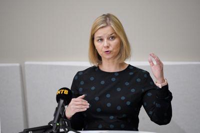 Kunnskapsminister Guri Melby legger fram en ny opplæringslov som skal styrke elevenes rettigheter.