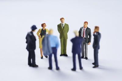 Internkontroll er i aller høyeste grad ledelsesverktøy for administrativ ledelse, men det må forankres på toppen. Deretter må det jobbes nedover i organisasjonen, skriver Malin Påve Solberg.