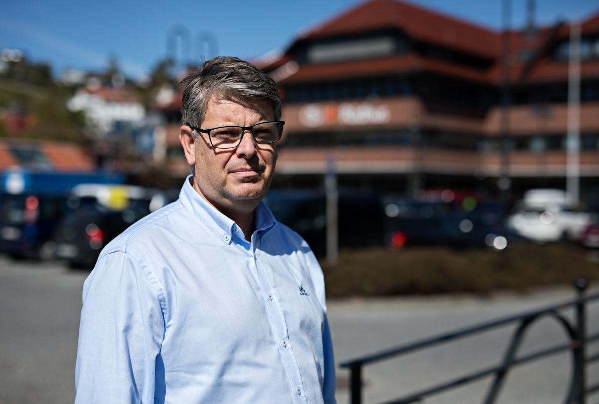 Christian Fotland var rådmann i Os før han ble kommunedirektør i den sammenslåtte kommunen Bjørnafjorden. Han sier han har verdens beste jobb.