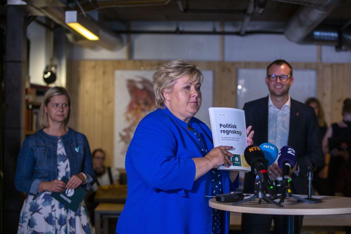 – Vi har gjort mye, men vi har ikke gjort alt, sa statsminister og leder av Høyre, Erna Solberg, da hun presenterte regjeringens politiske regnskap tirsdag. Det gjorde hun sammen med kunnskaps- og integreringsminister og leder av Venstre, Guri Melby og barne- og familieminister og leder av KrF, Kjell Ingolf Ropstad.