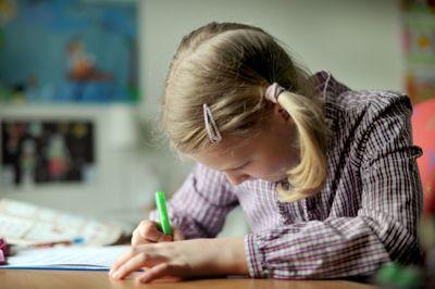Vil skolene praktisere lekser, bør de tilpasses hver enkelt elev, mener forsker.