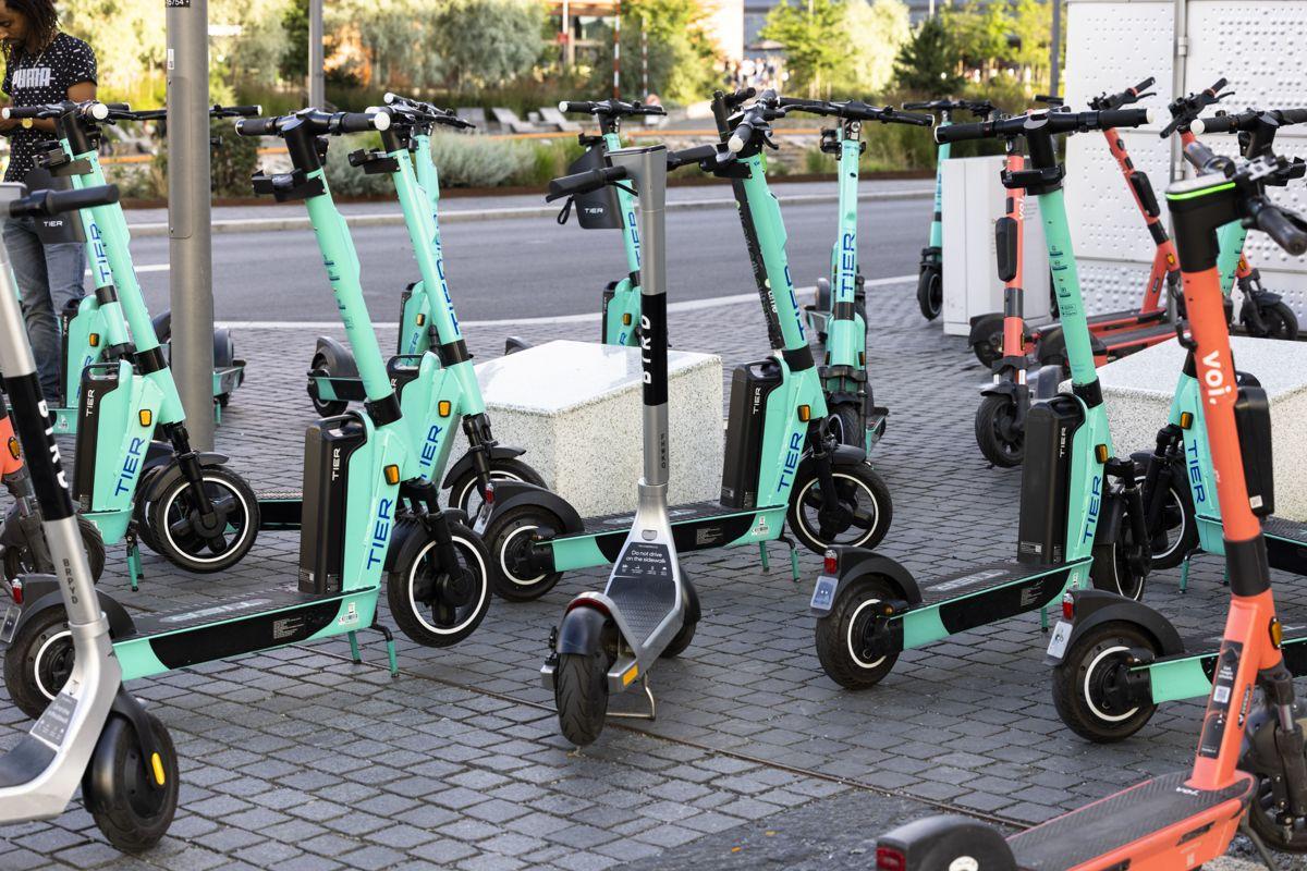 Oslo kommune har sett seg lei av de mange elsparkesyklene i byen, og nye og strengere regler trer i kraft fra neste måned.