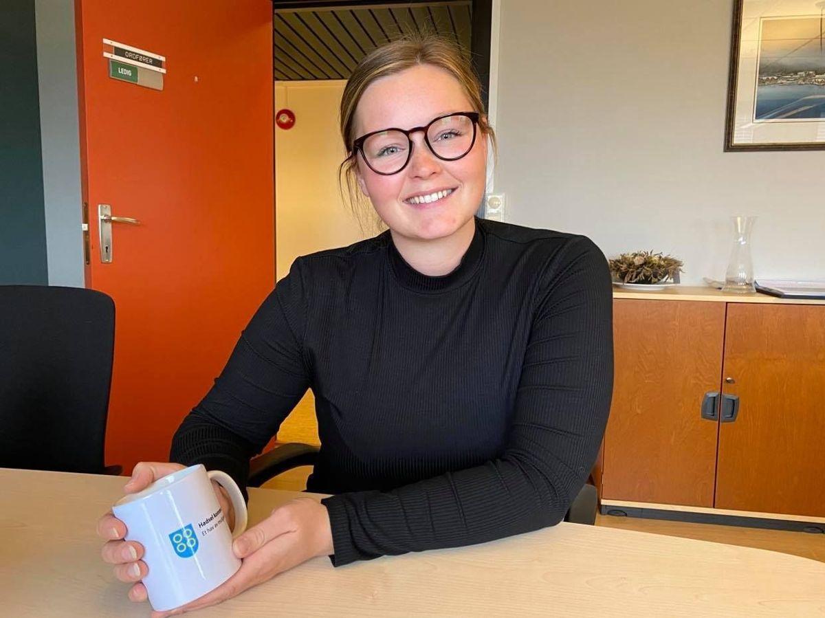 Aina Nilsen (Sp), ordfører i Hadsel, er tilfreds med antallet kvalifiserte søkere etter at politikerne utsatte søknadsfristen til over sommeren.