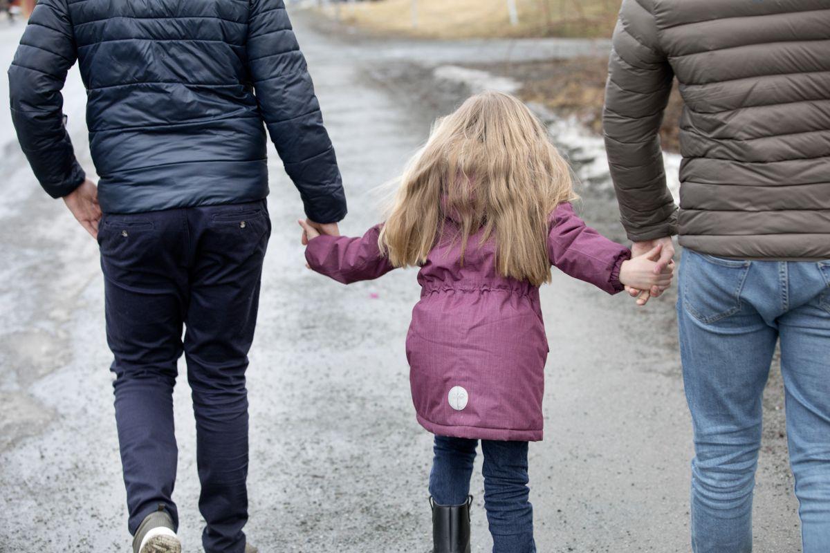 For å sikre at barn og foreldre får den hjelpen de har krav på og behov for, må alle deler av hjelpeapparatet ta sin del av ansvaret, skriver Mimmi Kvisvik og Ole Henrik Kråkenes.
