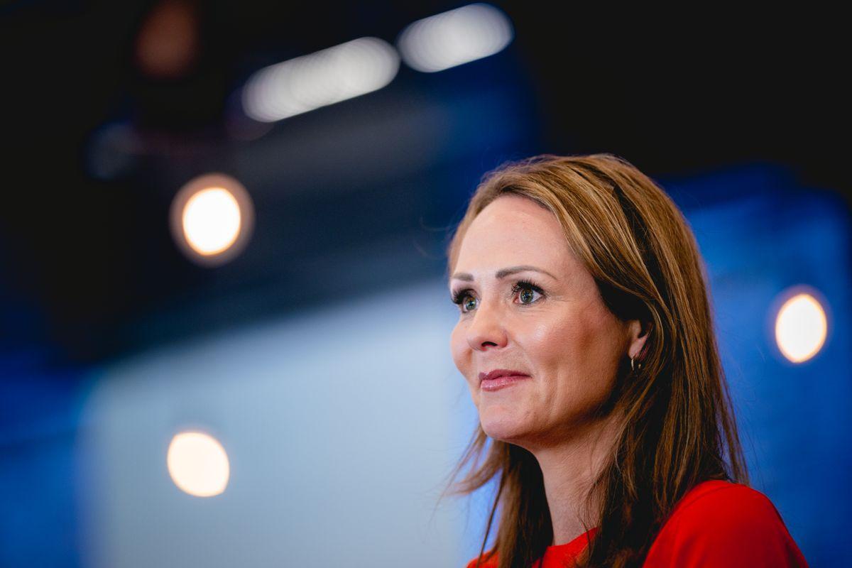 Distrikt- og digitaliseringsminister Linda Hofstad Helleland (H) sier at regjeringen har nådd målet de satte seg i 2016.