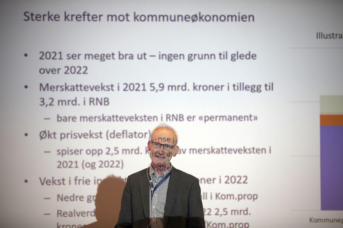 Sterke krefter mot kommuneøkonomien, mener sjeføkonom Torbjørn Eika i KS