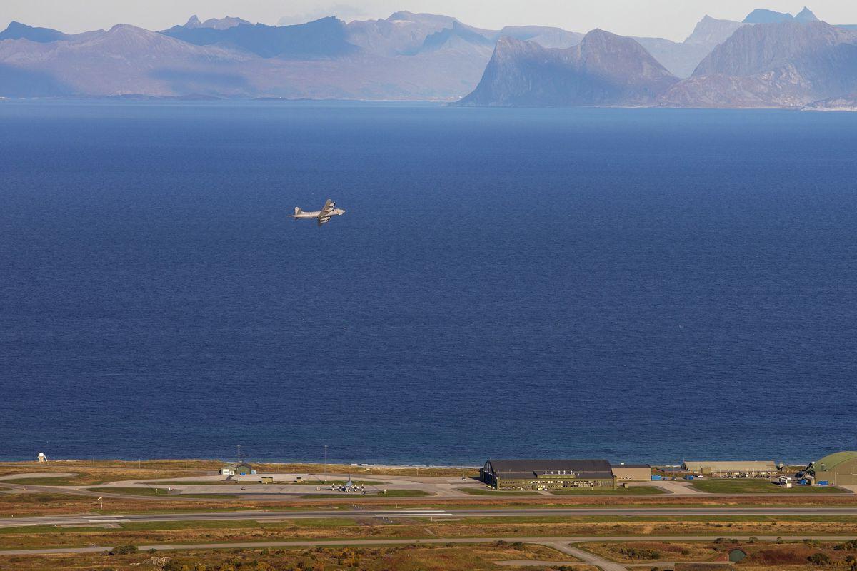 Det blir ikke bevaring av Andøya flystasjon, heter det i regjeringsplattformen.