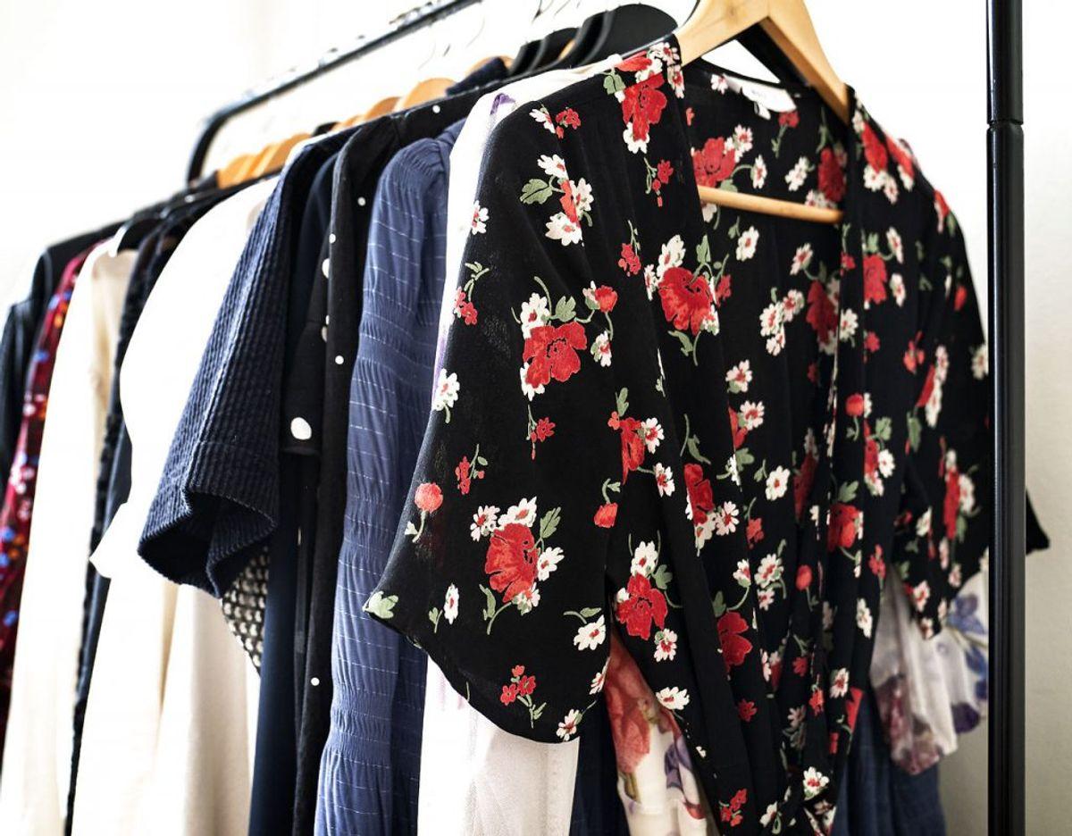 6. Bluser, toppe og trøjer – til kvinder. Foto: Scanpix