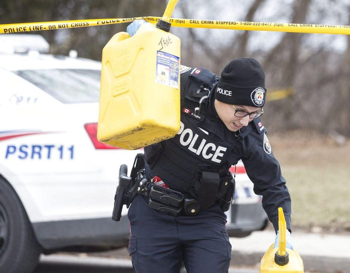 Politiet har især fattet interesse for et hus på Mallory Crescent, hvor der er fundet rester af i alt tre mænd. Foto: THE CANADIAN PRESS/Chris Young/Scanpix