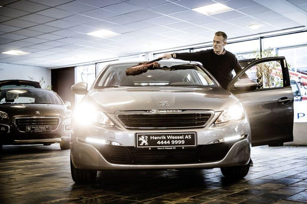 Peugeot 308 SW 2.0 BlueHDi 150 Allure ligger på 6. pladsen med 20,5 kilometer per liter. Den lover dog at kunne køre 25. Foto: Scanpix.