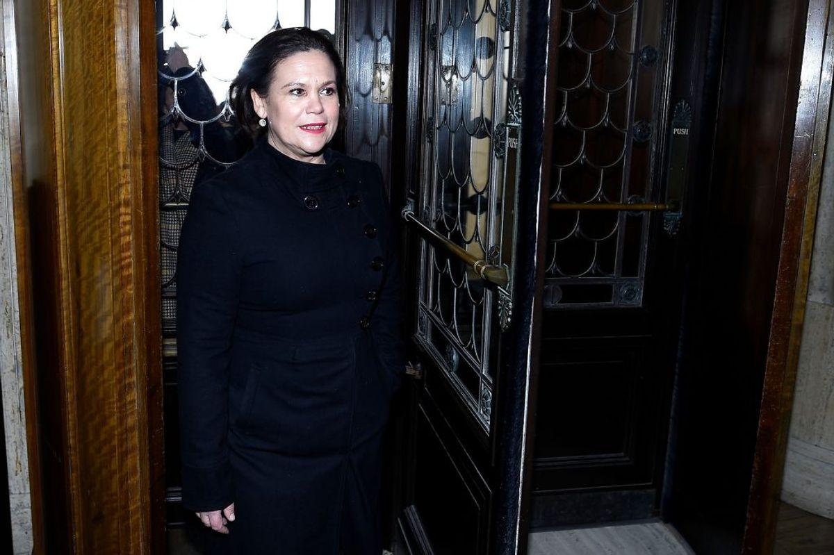 Mary Lou McDonald undskylder for bombedrab på Lord Mountbatten, afdøde prins Philips onkel. Undskyldningen faldt efter prinsens begravelse. Foto: Clodagh Kilcoyne/REUTERS