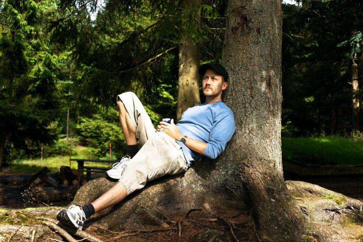 – Beskyt dig med skygge, solhat og solcreme, når uv-indekset er tre eller derover. Foto: Colourbox.com.