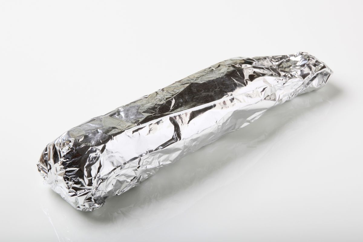 En lang række fødevarer må du – for dit helbreds skyld – ikke pakke ind i sølvpapir. Se nogle af dem i bunden af artiklen.