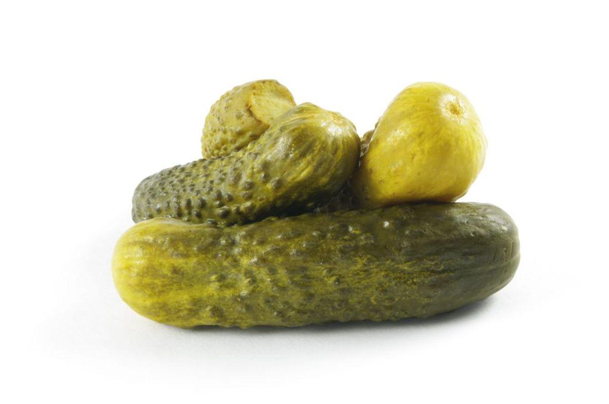 Hold surhedsgraden så lav som muligt ved syrning af varer, fx syltede agurker. Gerne pH under 4,5. Kilde: Fødevarestyrelsen. Arkivfoto.