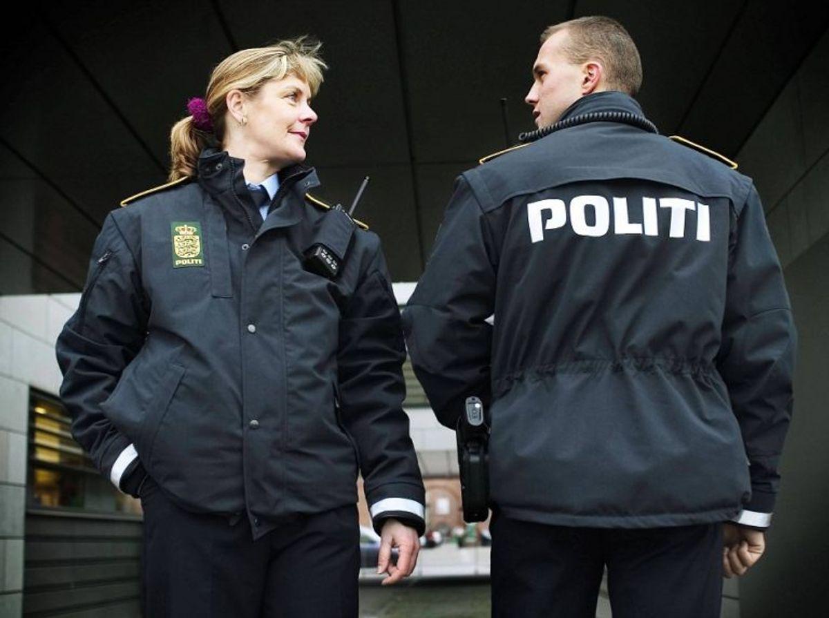 Politiet bliver ved med at gøre opsigtsvækkende fund. KLIK VIDERE OG SE, OM DU KAN GENKENDE DE MANGE TYVEKOSTER. Foto: Politi