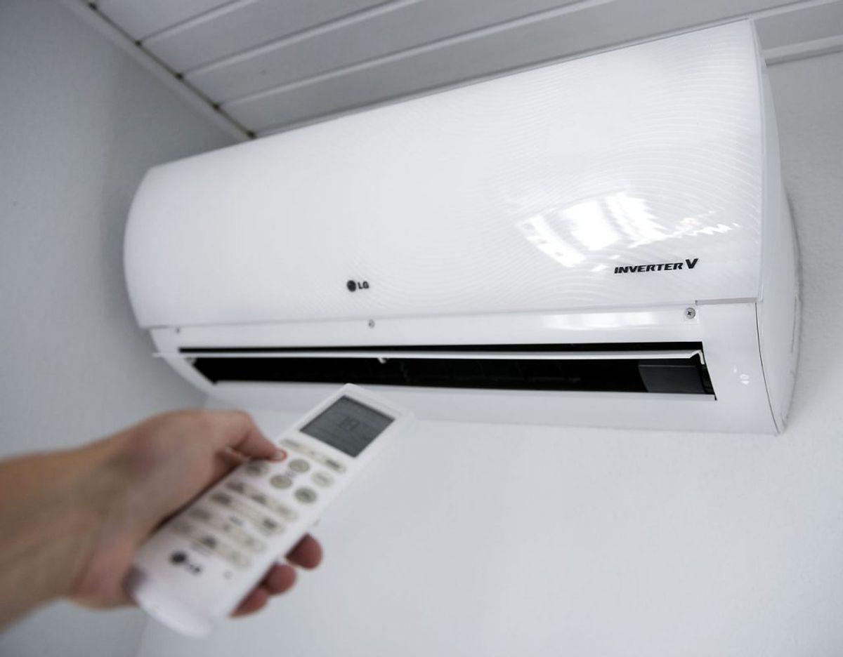 En varmepumpe kan både sænke din varmeregning, mens den også mindsker dit CO2-aftryk. De er dyre at installere, men på sigt tilbagebetaler de investeringen. Foto: Scanpix