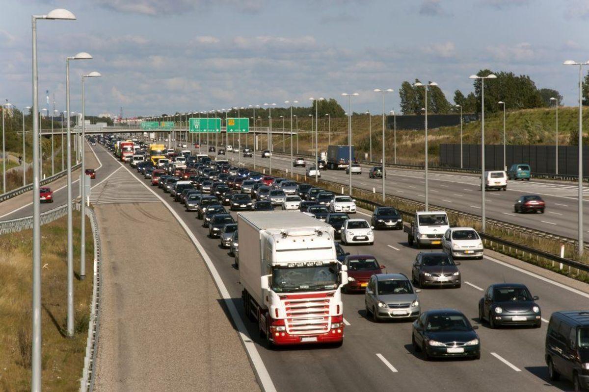 Esbjergmotorvejen kan give kø, men ellers så vil Rute 28 og 30 ved Billund give problemer. Foto: Scanpix