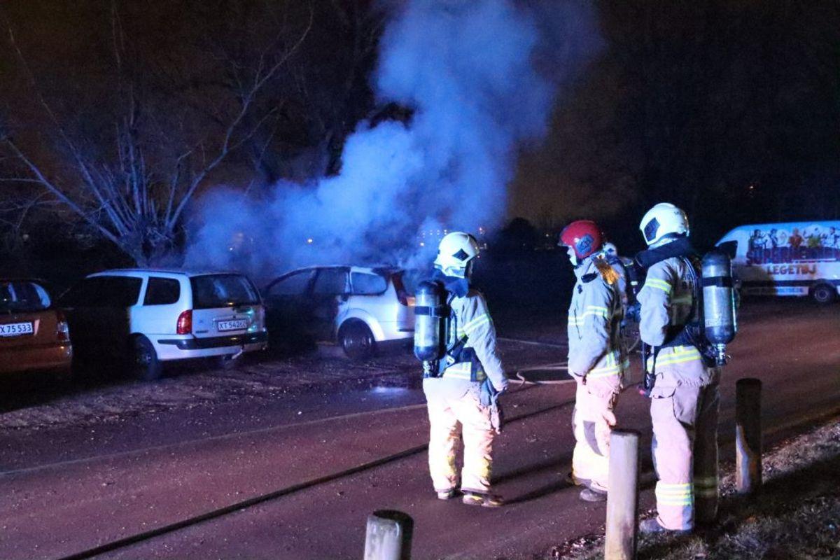 Brand i flere biler på Strødamsvej. Foto: Presse-fotos.dk