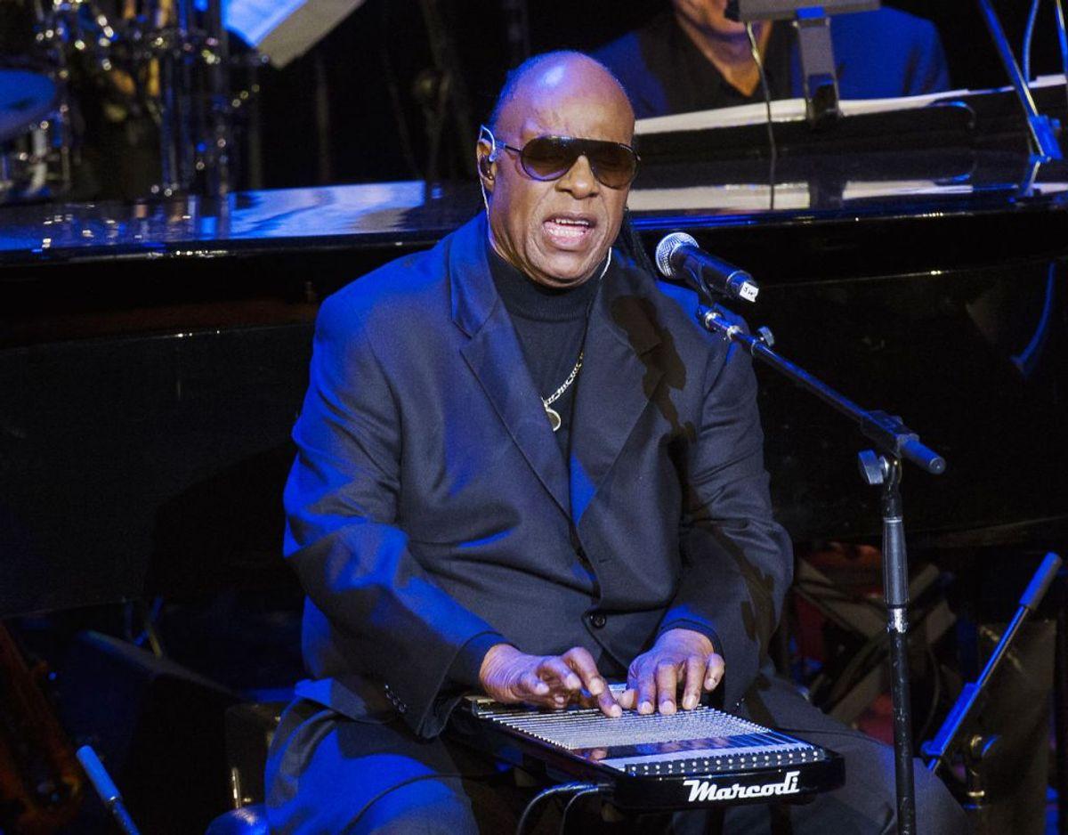Stevie Wonder har hele 74 gange været nomineret til en Grammy Award og har 25 eksemplarer af statuetten samt et ditto æreseksemplar stående på hylderne. Foto: Scanpix/REUTERS/Lucas Jackson