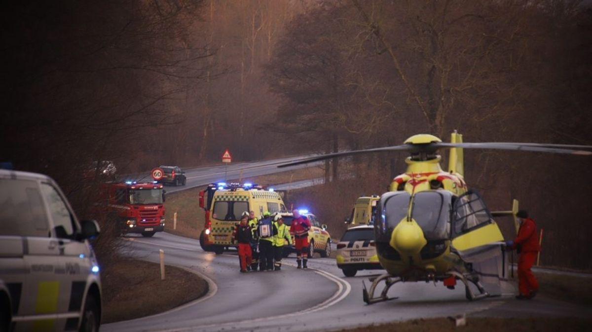 En lægehelikopter er på stedet. KLIK FOR MERE. Foto: Presse-fotos.dk