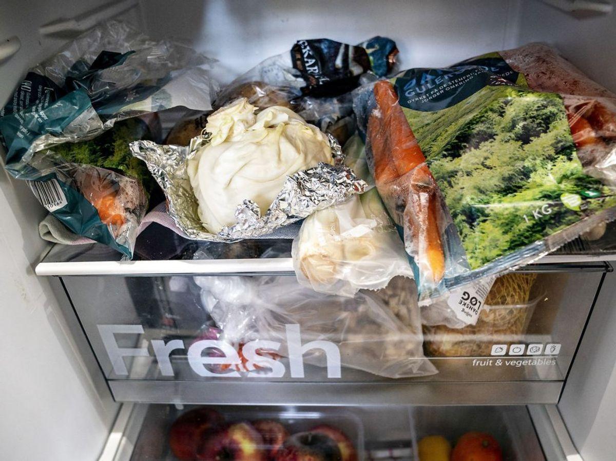 Gør køleskabet rent en gang om måneden. Foto: Henning Bagger/Scanpix.