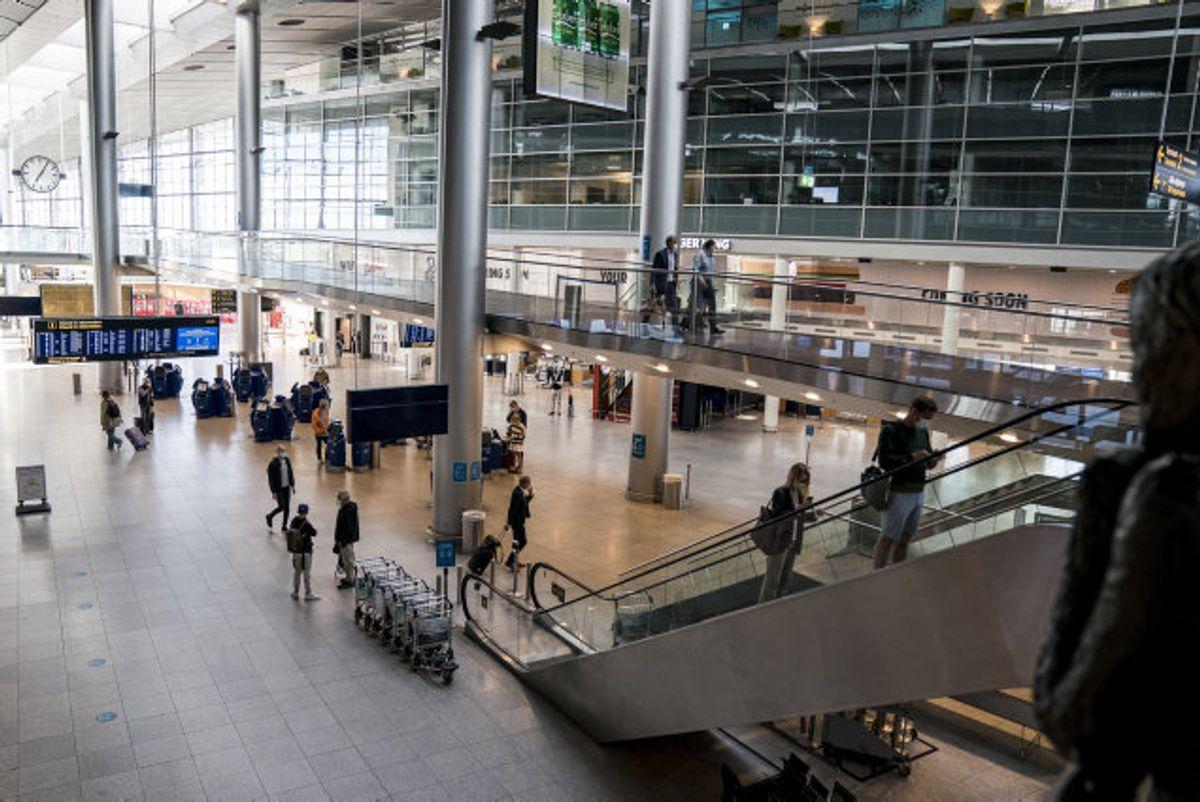 Fra onsdag 24. februar skal luftfartsselskaber tre timer efter ankomst til Danmark kunne videregive passageroplysninger til Styrelsen for Patientsikkerhed. (Arkivfoto) Foto: Niels Christian Vilmann/Scanpix