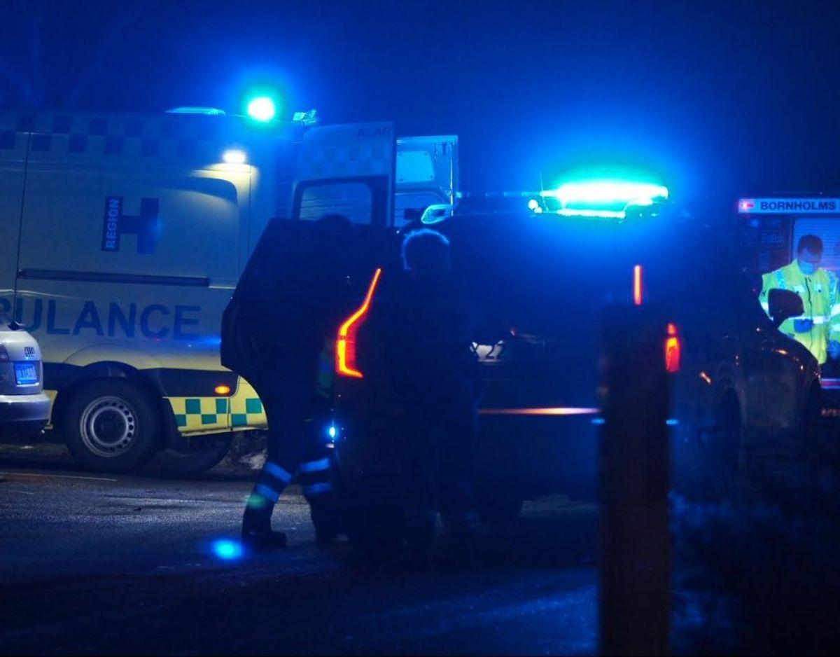 En kvinde er fredag aften død i en brand i Rønne. KLIK FOR FLERE BILLEDER FRA STEDET. Foto: Presse-fotos.dk