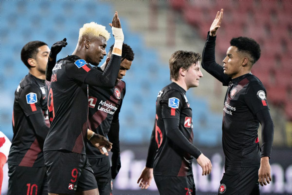 Sory Kaba scorede det ene mål, da FC Midtjylland slog AaB i 3F Superligaen. Foto: Henning Bagger/Scanpix