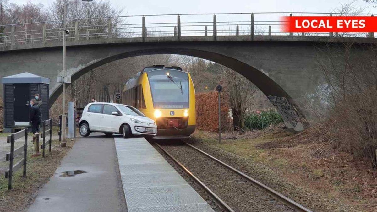 Togdriften var midlertidigt indstillet på Grønholt Station i Fredensborg, efter at en kvinde næsten kørte ud på skinnerne. Foto: Local Eyes.