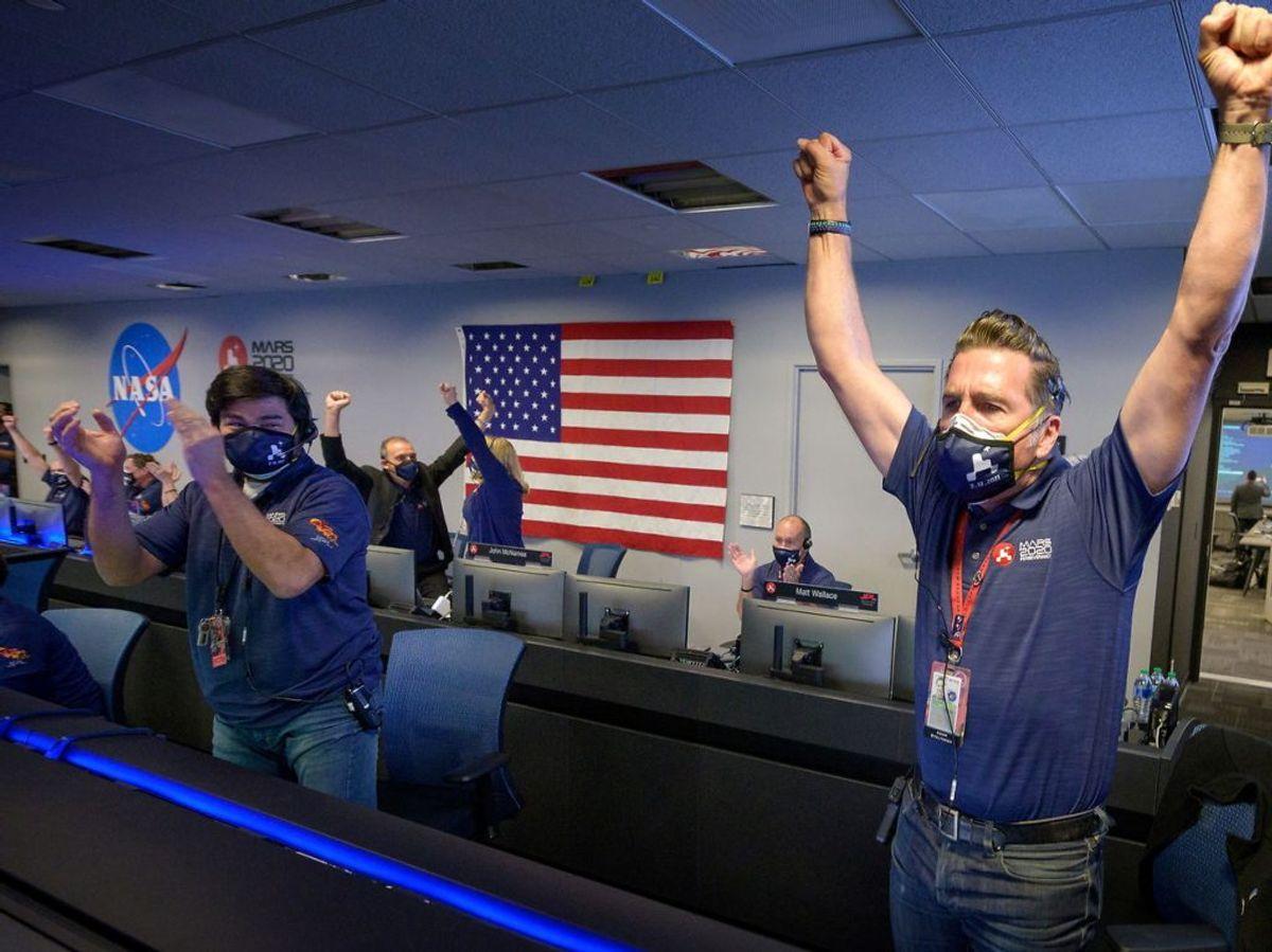 Der var stor jubel, da landingen var en kendsgerning. KLIK og se de første billeder. Foto: NASA/Bill Ingalls/Handout/Scanpix.