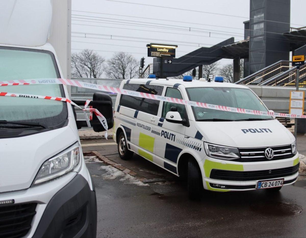 Politiet var massivt til stede på stationen. Foto: presse-fotos.dk