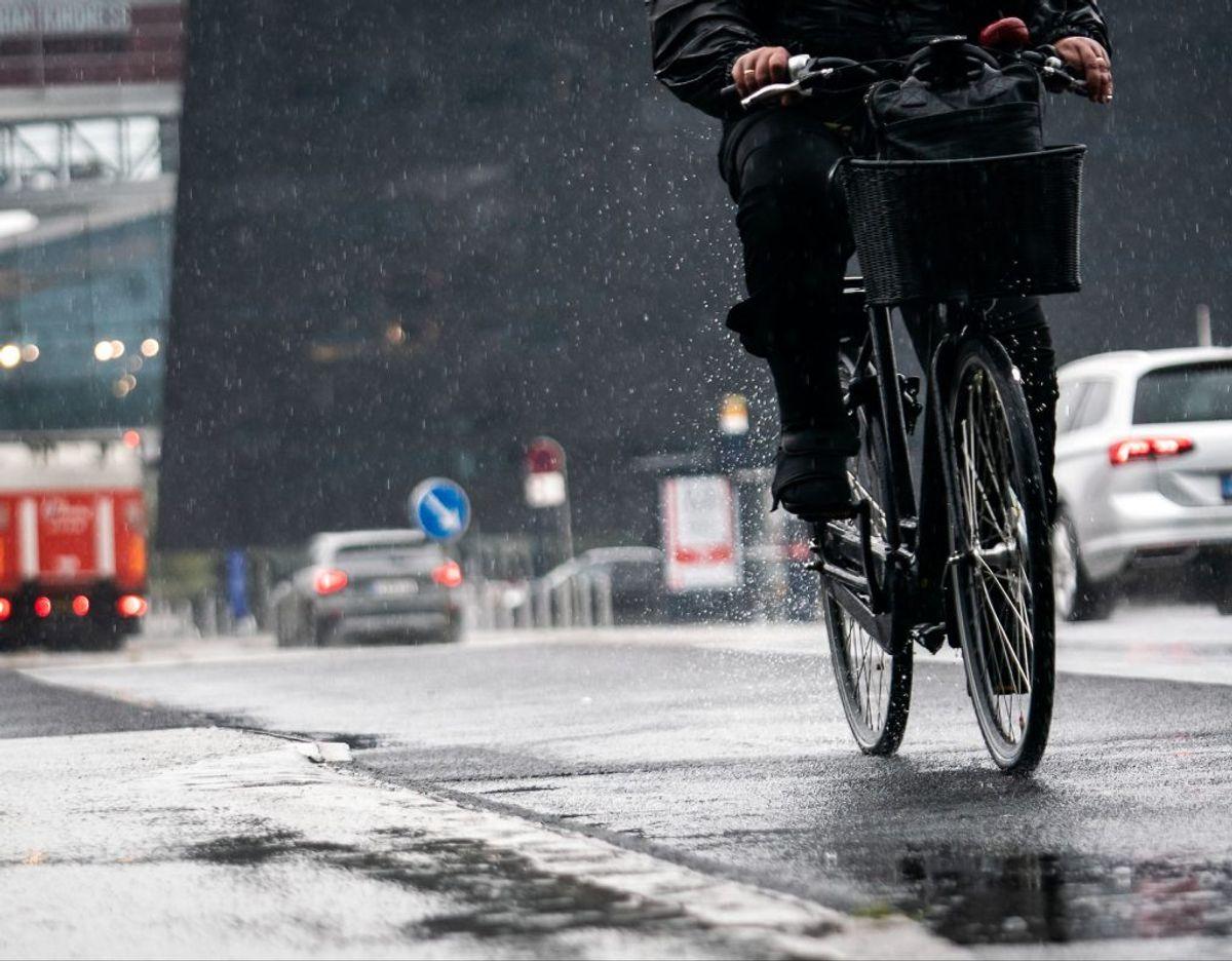 Der er regn og lunere vejr på vej. (Foto: Emil Helms/Ritzau Scanpix)