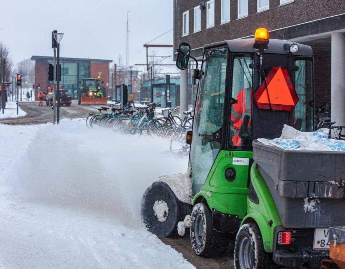 Snekaos i Esbjerg. Foto: Presse-fotos.dk. KLIK FOR FLERE BILLEDER.