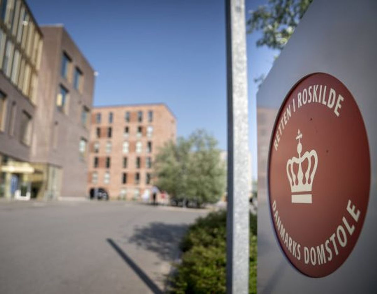 Ved Retten i Roskilde blev en 27-årig kvinde mandag eftermiddag varetægtsfængslet, sigtet for drab på en 61-årig mand. (ARKIVFOTO) Foto: Mads Claus Rasmussen/Scanpix