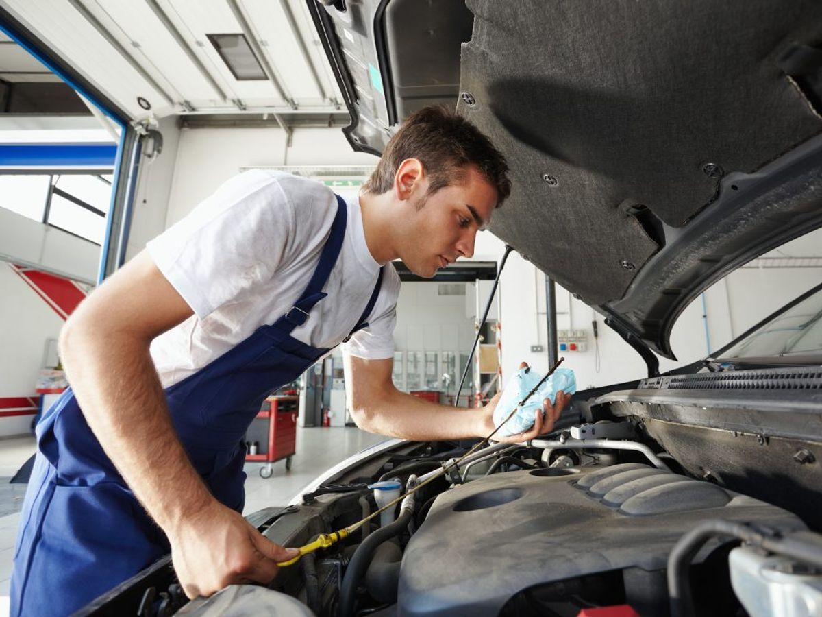 Der er ekstra travlt hos landets mekanikere i den kolde tid. KLIK og se, hvordan du slipper for ærgrelser og udgifter. Foto: Diego Cervo/Panthermedia/Ritzau Scanpix