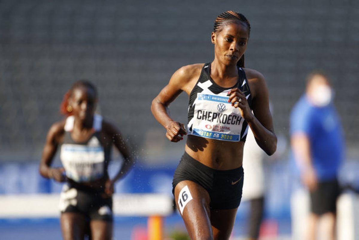 Kenyaneren Beatrice Chepkoech, som her ses ved et atletikstævne, er ny indehaver af verdensrekorden i 5000 meter gadeløb. Foto: Odd Andersen/AFP