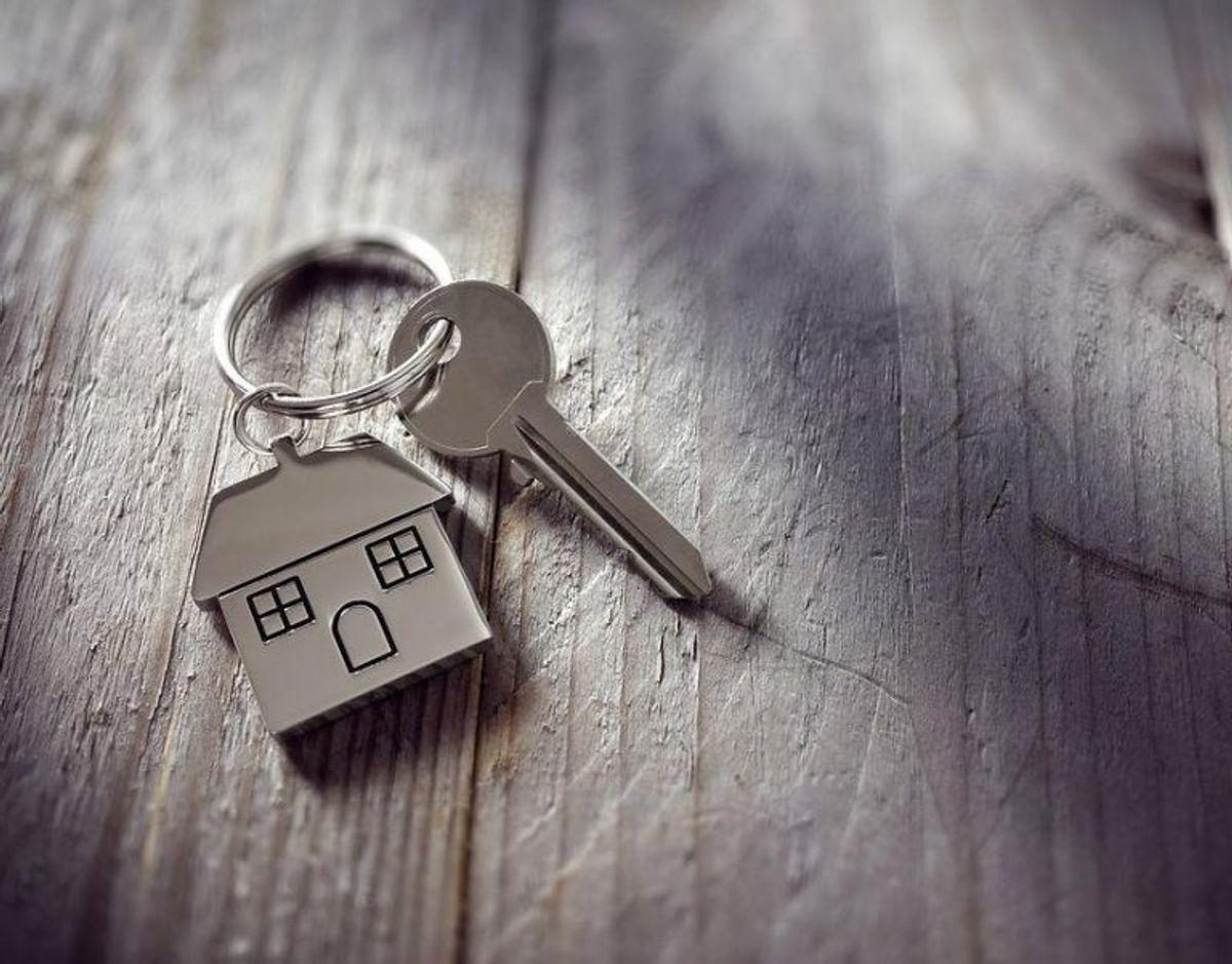 Det gælder om at være opfindsom, hvis man vil gemme en ekstra husnøgle uden for. På de næste billeder kan du se de fem dummeste steder, folk gemmer deres husnøgler ifølge Bolius. Foto: Scanpix