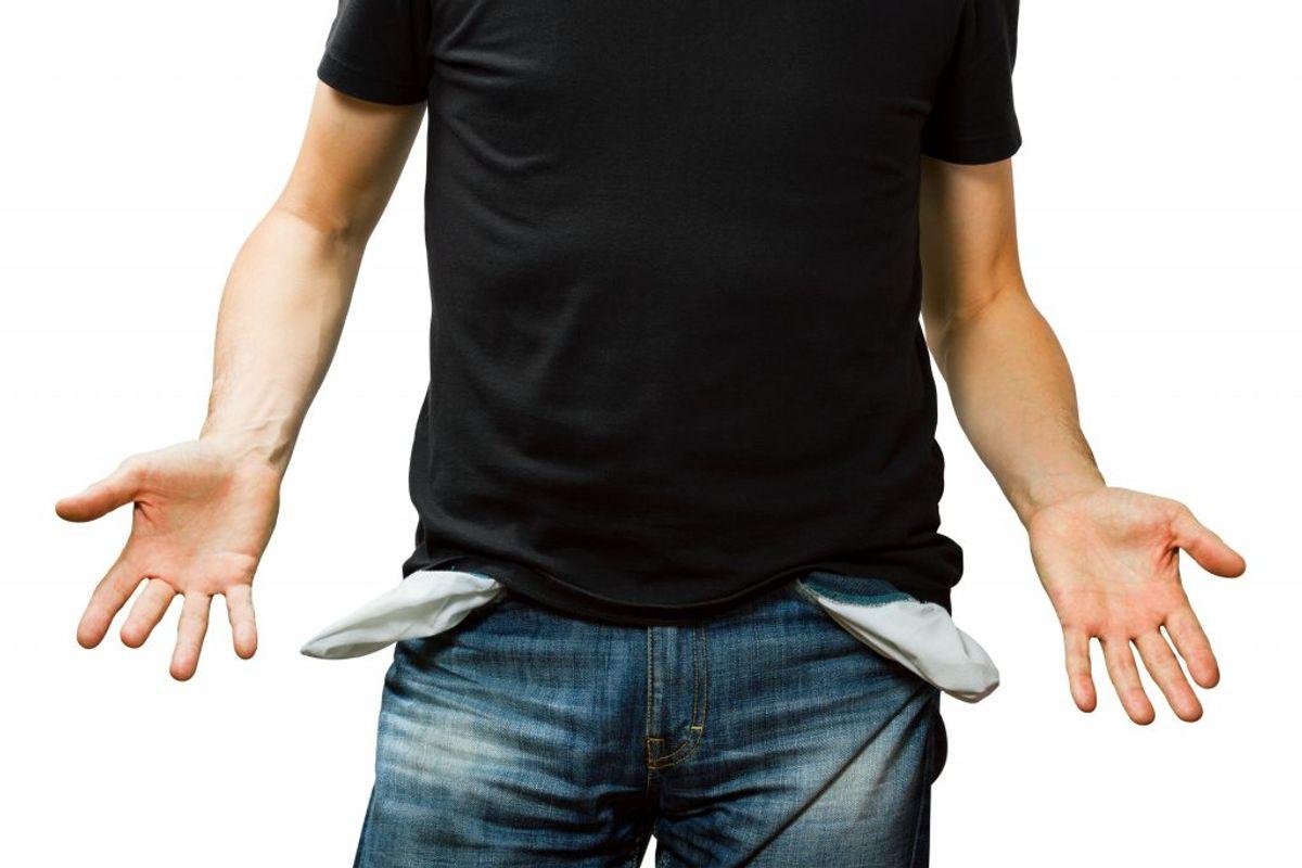 Husk altid at tømme lommerne! Et bundt nøgler eller mønter kan gøre stor skade på både tøj og vaskemaskine. Kilde: Reader's Digest. Arkivfoto.