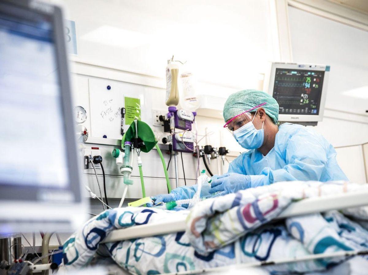 Der er lige nu 68 personer med coronavirus indlagt på intensivafdelinger i Danmark. KLIK for mere info. (Foto: Ólafur Steinar Gestsson/Ritzau Scanpix)